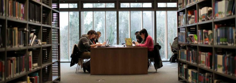 Library-students7-NUI Maynoothjpg
